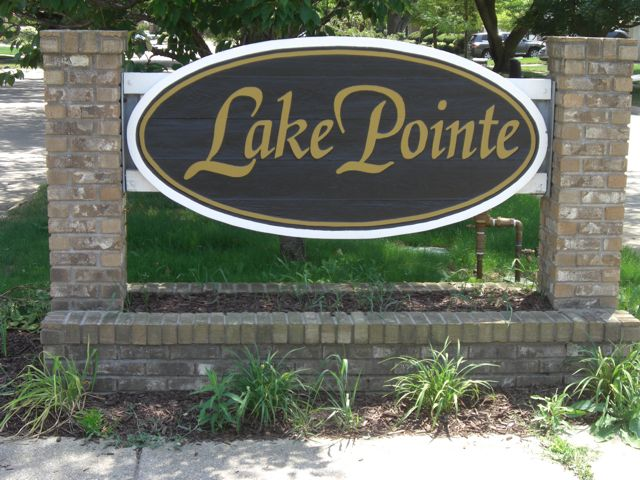 Lake Pte Sign Farmbrook St