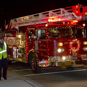 Northville's Lighted Holiday Parade